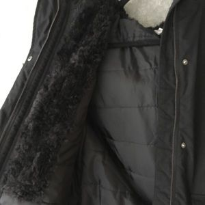 H&M Jackets & Coats - 🔥BOGO H&M Warm Black Parka Size 6
